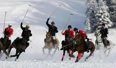 Un match de Polo dans la neige à St. Moritz
