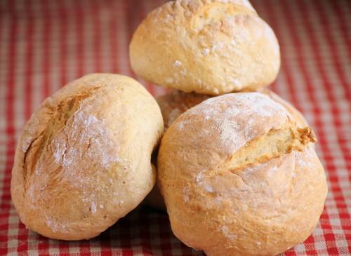 Petits pains maison sans machine pain paperblog - Recette pain sans levure ...