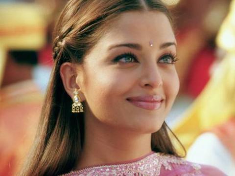 La plus belle femme du monde, Aishwarya Rai - YouTube