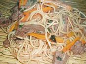 Nouilles sauté boeuf, carottes basilic thaï