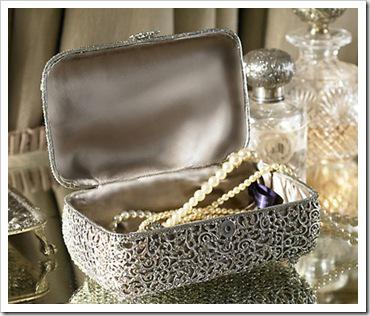 bo te bijoux delaine de ralph lauren par swarowski voir. Black Bedroom Furniture Sets. Home Design Ideas