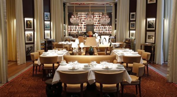 royal monceau philippe starck le luxe prend vie paperblog. Black Bedroom Furniture Sets. Home Design Ideas