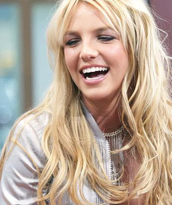 http://media.paperblog.fr/i/391/3911672/britney-spears-nouvel-album-debut-2011-L-AtrT4u.jpeg