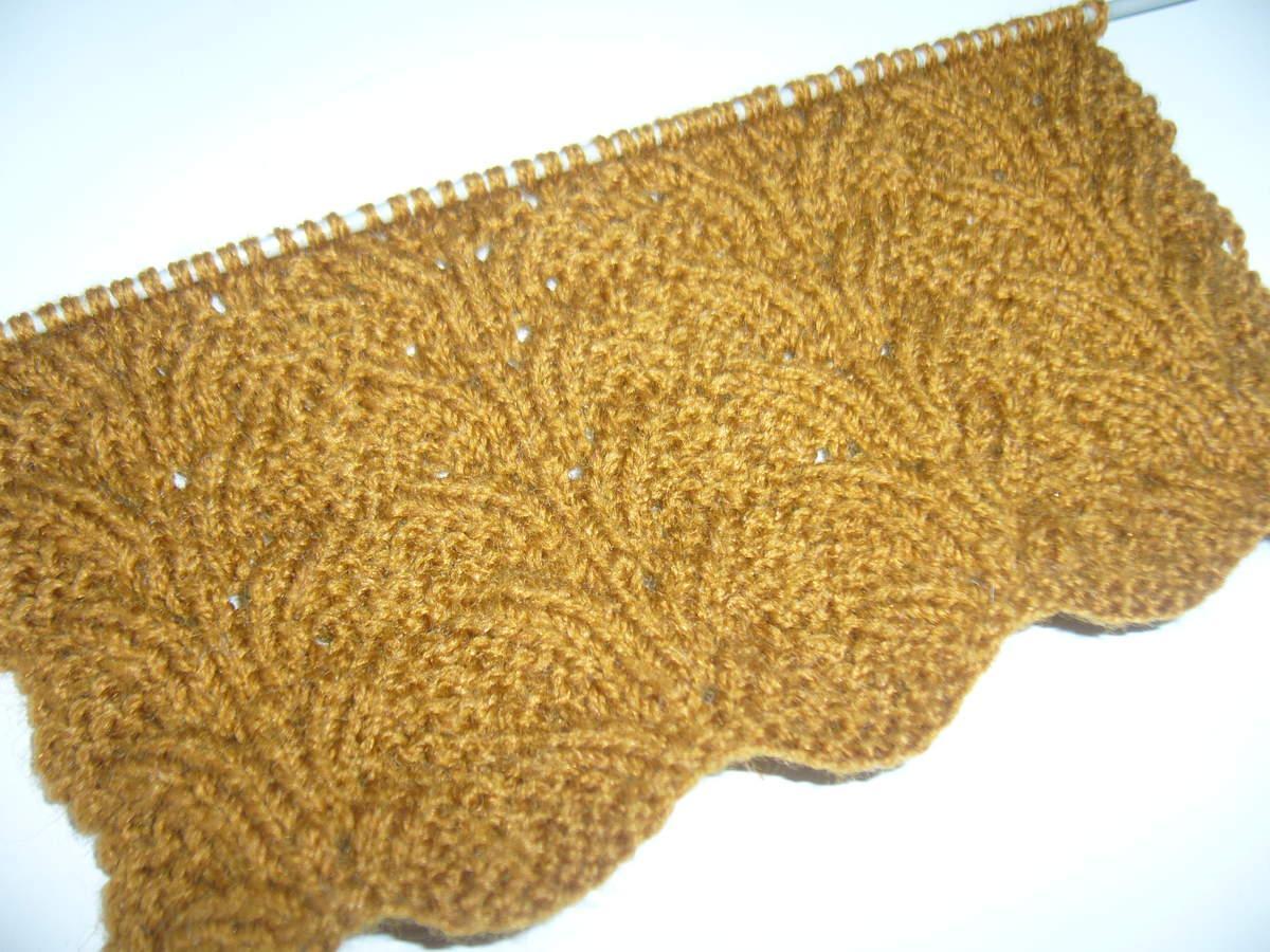 Tricoter le point pomme de pin voir - Point de tricot ajoure pour echarpe ...