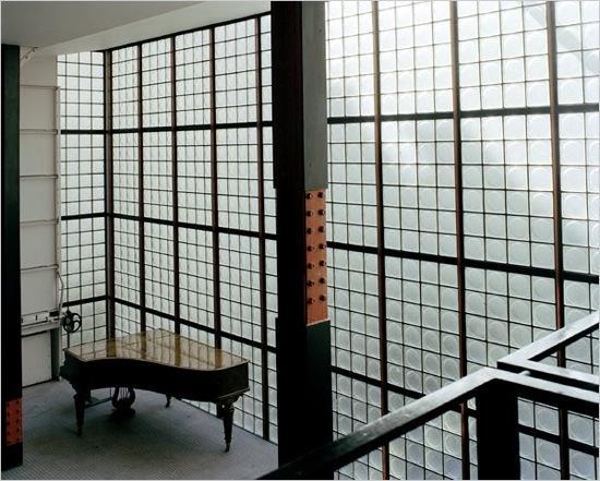 la maison du jeudi la maison de verre de pierre chareau. Black Bedroom Furniture Sets. Home Design Ideas