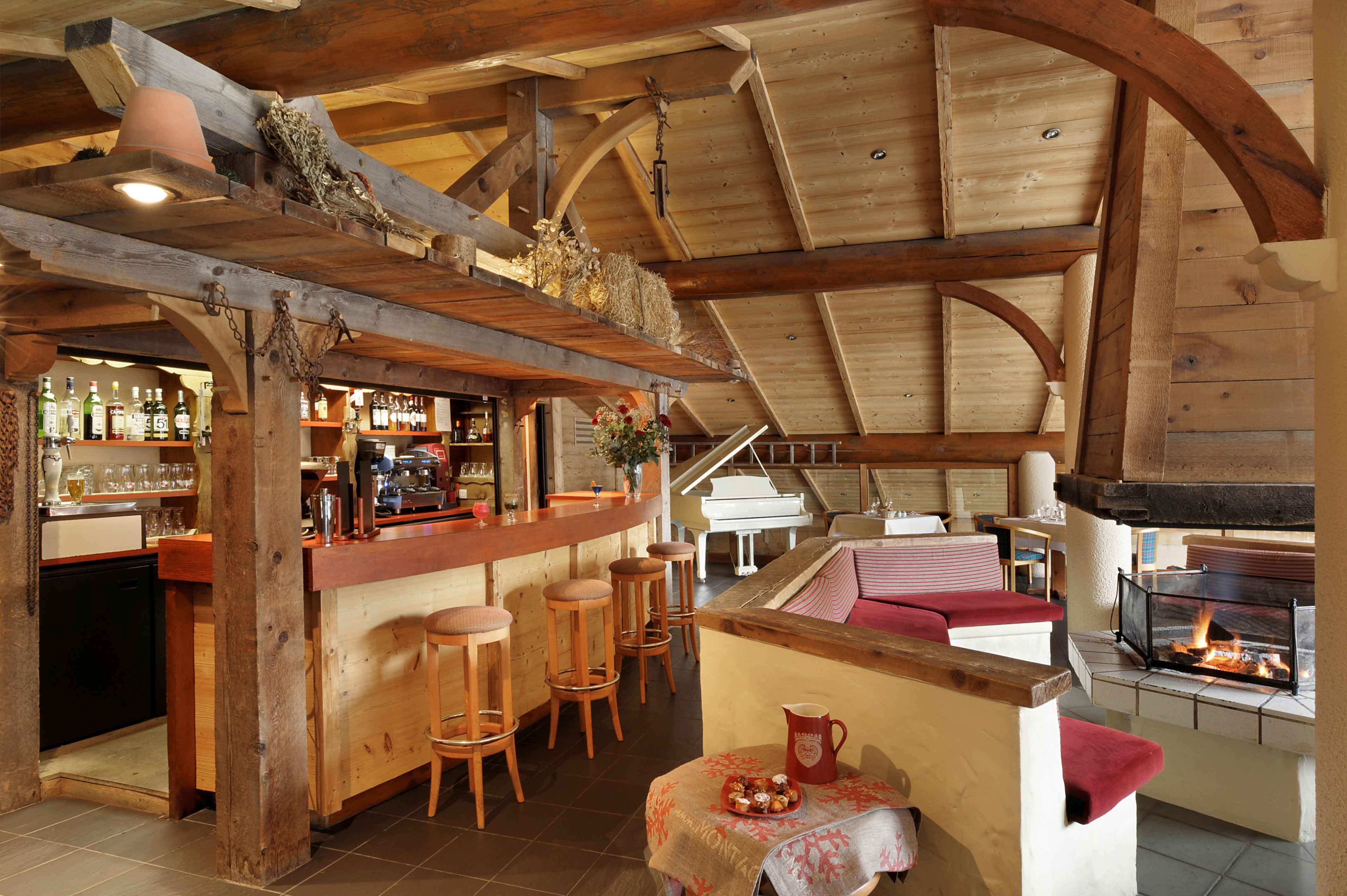 envie de neige voici l h tel alpen roc la clusaz paperblog. Black Bedroom Furniture Sets. Home Design Ideas