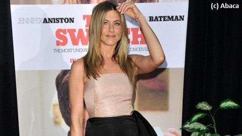 Jennifer Aniston ... Elle défend son ennemie, Angelina Jolie