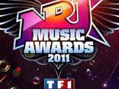 Laury Thilleman, Shakira, Black Eyed Peas stars Music Awards