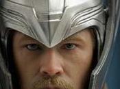 Photos: héros Thor porte enfin casque