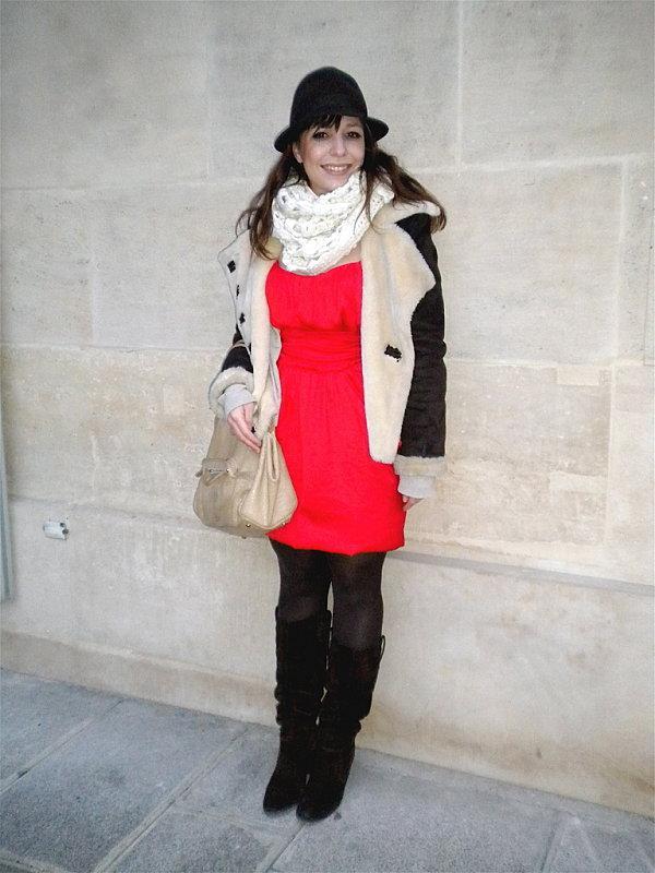 Comment porter une robe rouge en hiver
