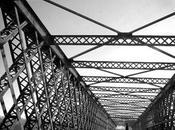 Noir Blanc pont Angers