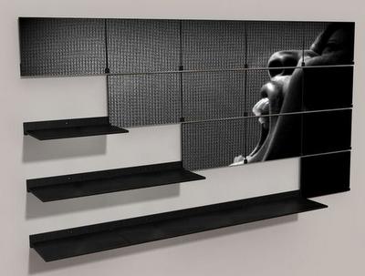 Une étagère d'art
