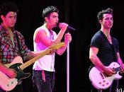 Jonas Brothers trop classes pour leur shooting