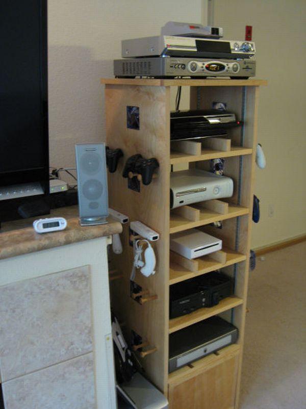 Un fan de jeux videos voir - Console de rangement ...
