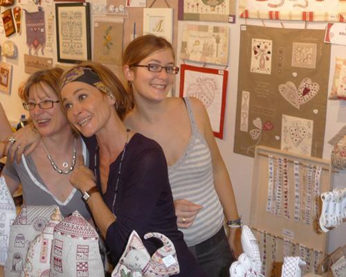 Bilan et photos du salon l 39 aiguille en f te 2011 paperblog for Salon du fil et de l aiguille