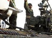 Libye Kadhafi attaque l'Est, réfugiés affluent