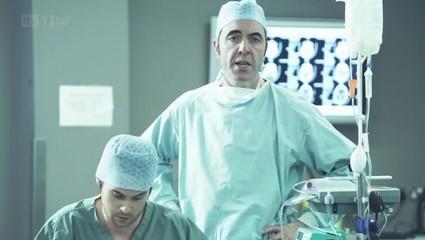 pilote-uk-monroe-chirurgien-laisse-indifferen-L-_y_2vn.jpeg