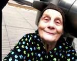 Grand mère danse tecktonik