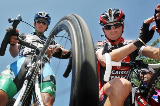 Alejandro Valverde, del Caisse D´Epargne, durante la séptima etapa entre Bourg En-Bresse y Le Grand Bornand de 197,5 kilómetros de recorrido en la 94 edición del Tour de Francia 2007 - AFP - 14/07/2007