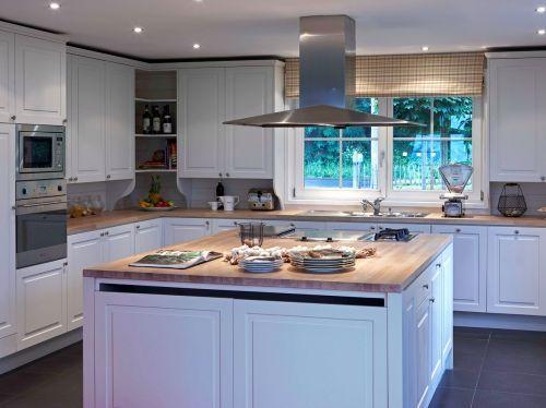 Maison en bois mi casa voir for Construire une cuisine en bois