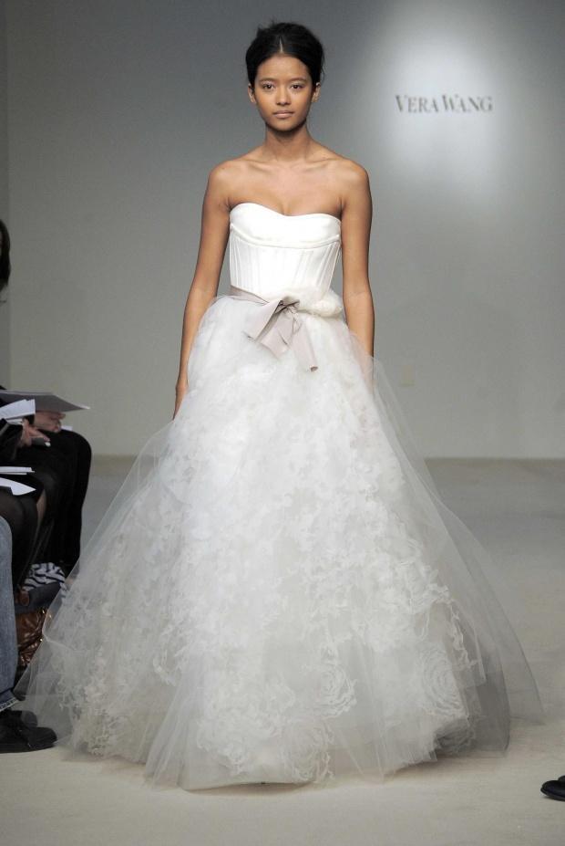 Special mariage la derni re collection de vera wang for Meilleures robes de mariage vera wang