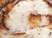 Brioche buns'y noisettes pâte fourrée chocolat-noisettes-snickers, glacée sirop d'érable petit dej' gourmand assuré