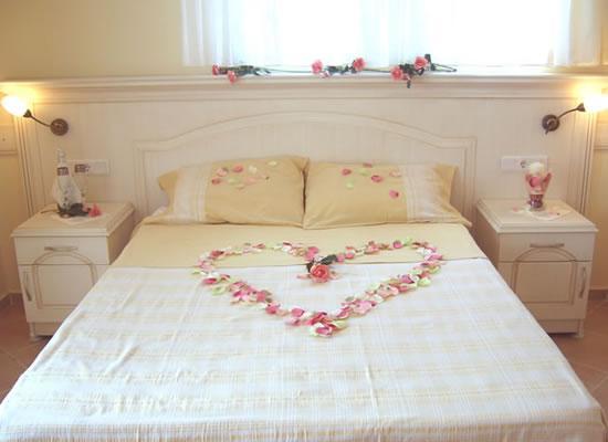 Des coeurs des coeurs partout pour mon mariage d couvrir for Decoration chambre nuptiale