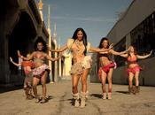 Nicole Scherzinger nous séduit pour vidéo Right There