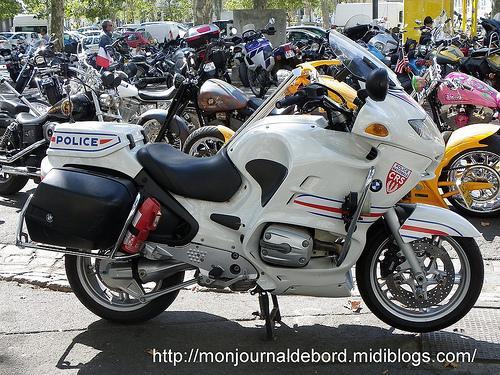photos motos de police 2 paperblog. Black Bedroom Furniture Sets. Home Design Ideas