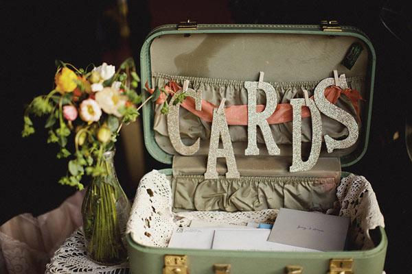 1000 images about urne mariage on pinterest wedding wishes guest books and wedding cards - Urne Valise Mariage