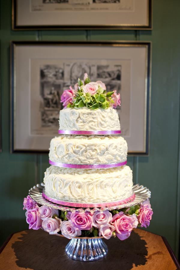 gateau-mariage-fleur-rose-vert