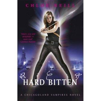 Chloe NEILL - Hard Bitten (Chicagoland Vampires t4) : 4/10
