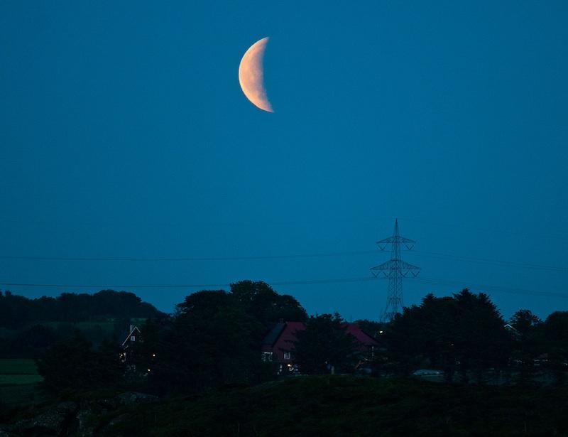 Lunar eclipse by Stavanger