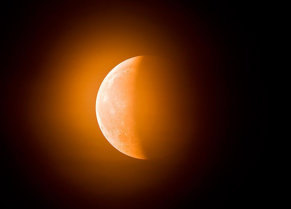 Eclipse de la Lune par Marek Nikodem