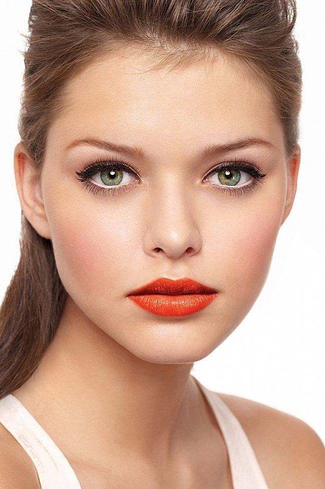 green-eyes-orange-lips-copie-1
