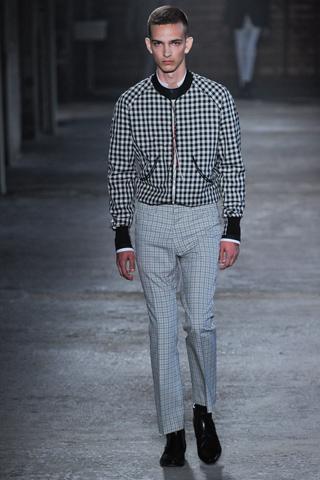 Carreaux McQueen 10 tendances à retenir des défilés de Milan   Eté 2012