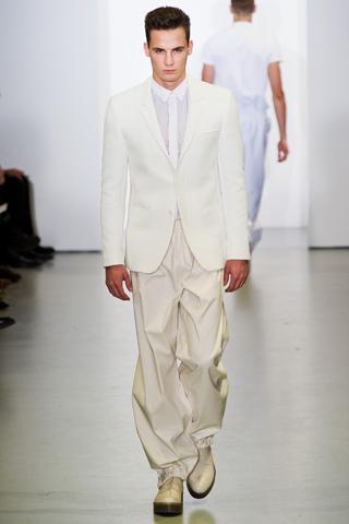 Wide pants CK collection 10 tendances à retenir des défilés de Milan   Eté 2012
