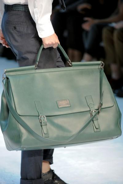Sac Dolce Gabbana 2 400x600 10 tendances à retenir des défilés de Milan   Eté 2012