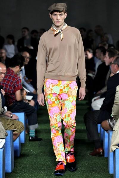 Pantalon Prada 2 400x600 10 tendances à retenir des défilés de Milan   Eté 2012