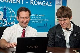 Echecs en Roumanie : Magnus Carlsen (2815) commente sa dernière partie - ronde 10 © ChessBase