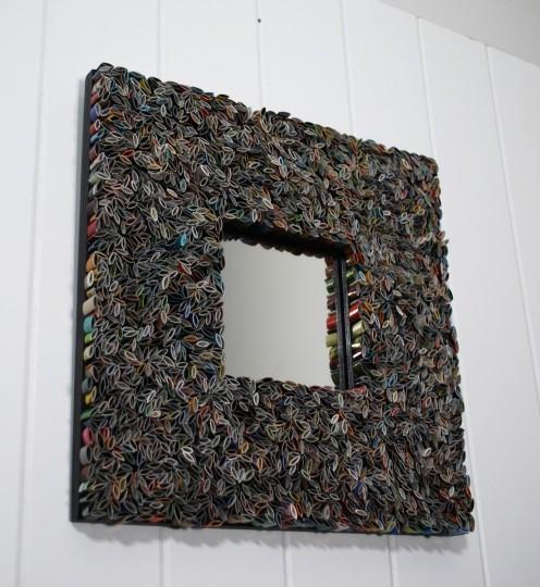 il fullxfull.230828312 496x540 Un cadre de miroir fait de magazines recyclés