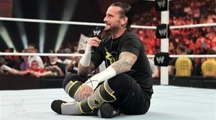 Après sa victoire contre Alberto Del Rio et Rey Mysterio CM Punk s'adresse aux fans de catch