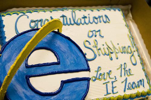 Firefox3CakeFinal400x333 Un gâteau IE pour Firefox 5