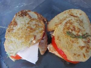 Le tomate mozza façon pain perdu