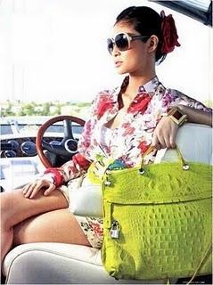 Faites venir le soleil en shoppant un sac Furla jaune citron !