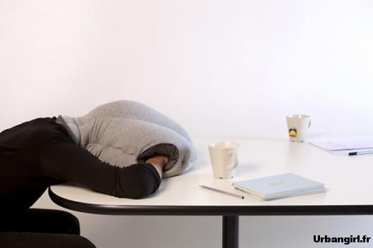 faire l autruche pour dormir au bureau paperblog. Black Bedroom Furniture Sets. Home Design Ideas