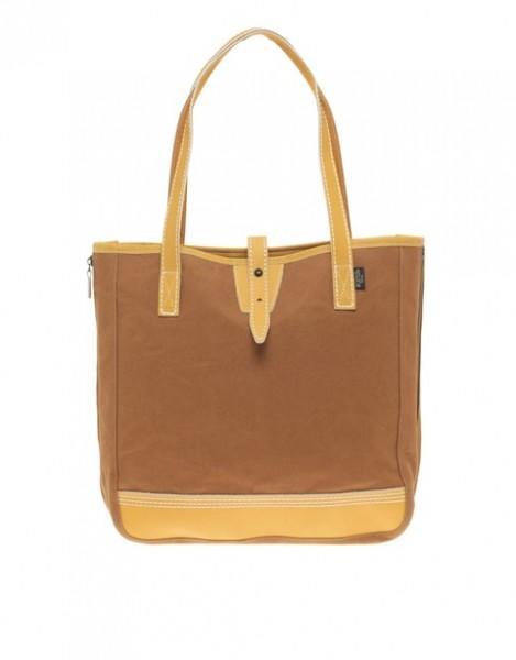 Porter Yoshida Co 469x600 Où trouver un vrai sac pour lété ?