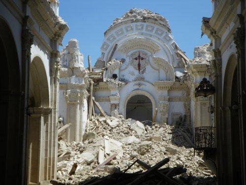 Séisme de Lorca : destruction de l'église de Santiago