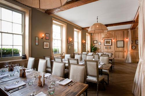 The-Grazing-Goat-First-Floor-Front-Dining-Room-Royaume-uni-europe-de-l-ouest-hoosta-magazine