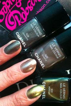 chanel-le-vernis-fall-2011-nail-colours240do051611.jpg